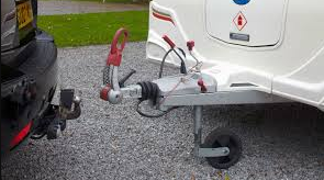 What are the important considerations before selecting fixed flange towbars?